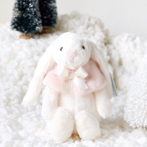 Holiday '18 - Bashful Cream Snow Bunny (Small)